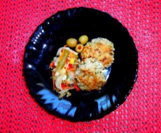 Graupen-Puffer mit gemischtem Salat und Oliven - Rezept