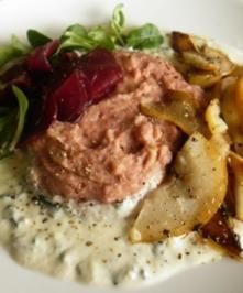 Kartoffel-Rote-Bete-Püree, Balsamico-Birnen und Gorgonzola-Sahne-Soße - Rezept