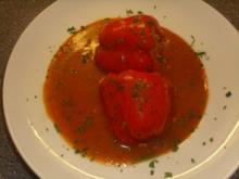 Paprikaschoten gefüllt mit Reis in Tomatensosse - Rezept