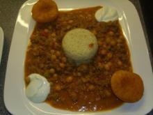 Lammhack-Madras-Pfanne mit Curry-Pfirsiche - Rezept