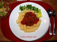 Merguez mit Harissa-Tomaten-Sauce und Pasta - Rezept