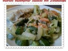 Fisch: Gedämpfter Seelachs mit Zwiebelsoße - Rezept