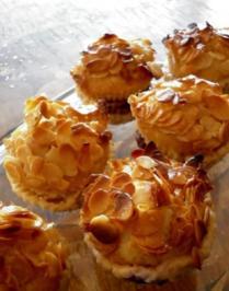 Bienenstich - Muffins mit Kirschen - Rezept