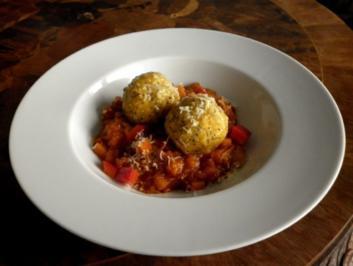 Kartoffel-Kürbis-Klößchen mit warmem Tomaten-Kürbis-Chutney - Rezept