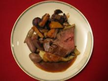 Beef im Teigmantel mit Wintergemüse und Whisky-Hagebutten-Soße - Rezept