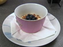 Mascarpone-Traum mit Blaubeeren und einem Deckel aus Zartbitterschokolade (Joey Heindle) - Rezept