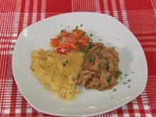 Raclette-Rösti, dazu Kalbsgeschnetzeltes und Sauce (Patrick Nuo) - Rezept