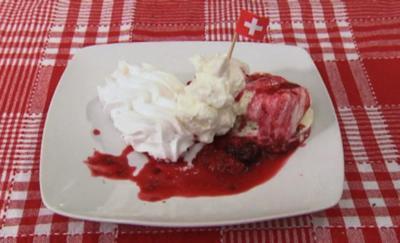 Meringues, Eis und heiße Beeren (Patrick Nuo) - Rezept