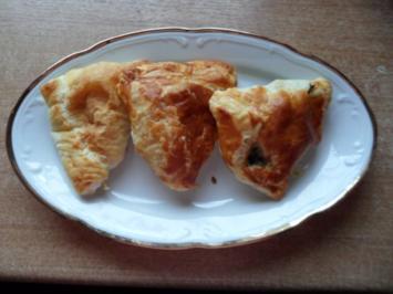 Rezept: Blätterteigtaschen mit Spinat- Schafskäse-Füllung