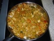 Nasi Goreng mit Huhn und Garnelen - Rezept