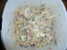 Bunter Nudelsalat mit Putenbrust - Rezept