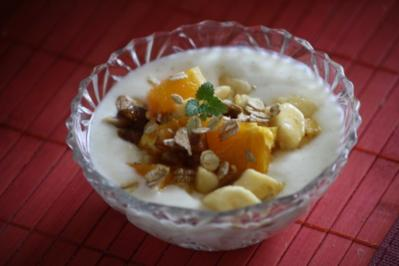 Bananen-Orangen-Salat auf Zimtjoghurt - Rezept