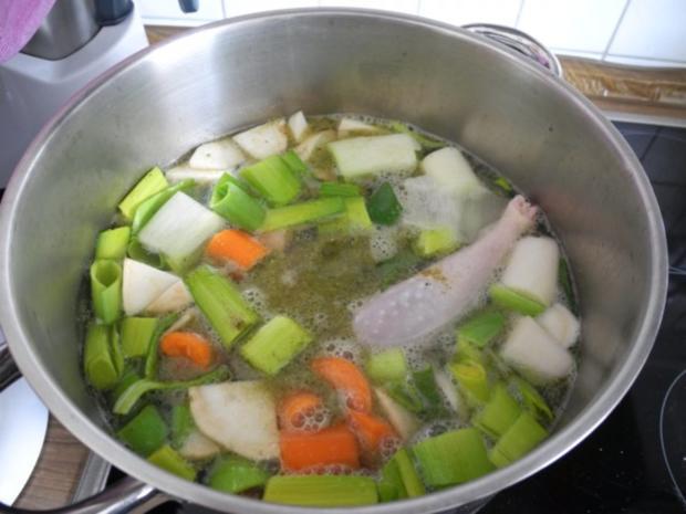 Suppen & Eintöpfe : Hühnersuppe mit Spirelli - Rezept - Bild Nr. 3