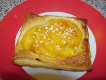Pfirsich-Blätterteig-Kissen - Rezept