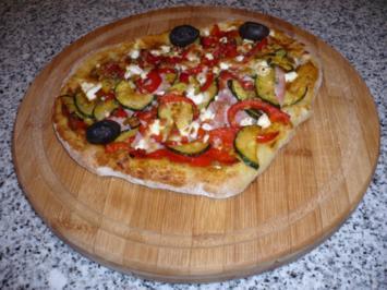 Rezept: Hefefreie Pizza mit saftigem Schafskäserand (histaminfrei)