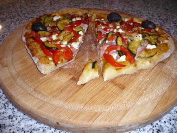 Hefefreie Pizza mit saftigem Schafskäserand (histaminfrei) - Rezept - Bild Nr. 7