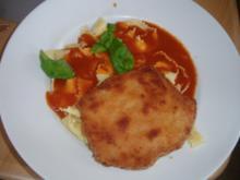 Jägerschnitzel mit  Tomatensoße und Nudeln - Rezept