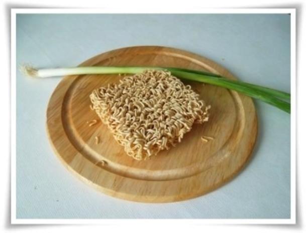 Gebratene Chinesische Nudeln mit Bulette - Rezept - Bild Nr. 7