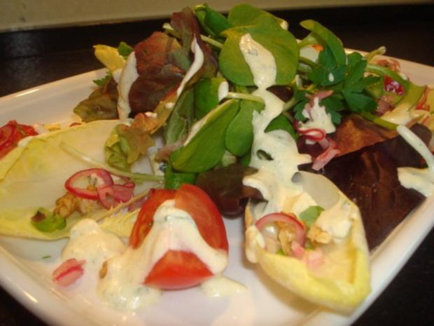 Salat mit marinierten Zwiebeln und Käse - Rezept - Bild Nr. 5