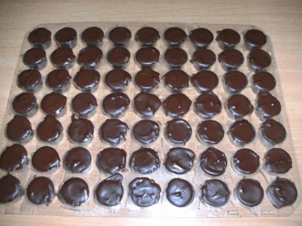 Konfekt: Amarene-Marzipan - Trüffel - Rezept