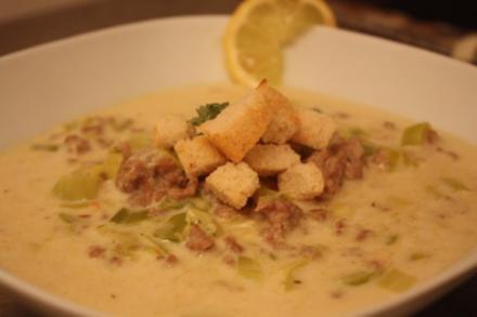 Käse-Lauch-Suppe mit Croûtons - Rezept