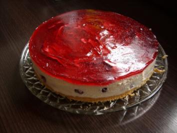 Joghurtcreme - Eierlikör - Torte mit Kirschen - Rezept