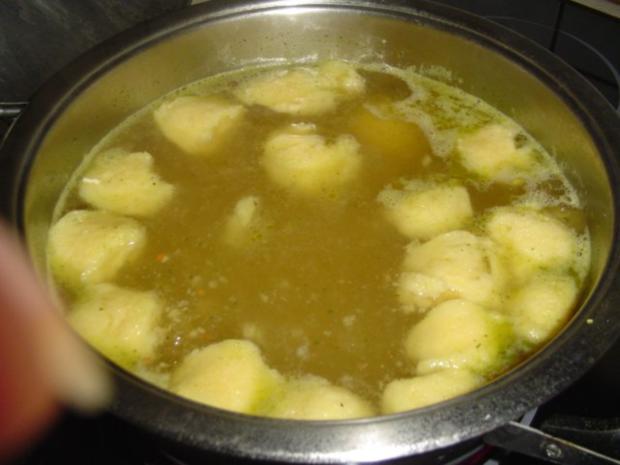 Grießnockerl und Pfannkuchensuppe - Rezept - Bild Nr. 2