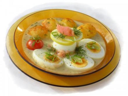 Eier in Räucherlachs-Senfsauce - Rezept