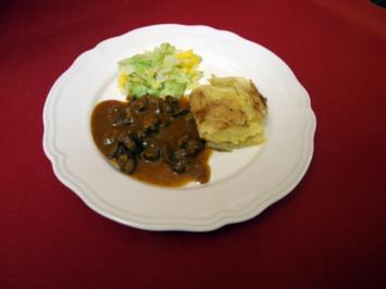 Zicklein-Ragout mit Kartoffelgratin und Mango-Spitzkohl - Rezept