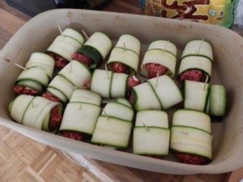 Zucchiniröllchen mit Rinderhackfleisch - Rezept