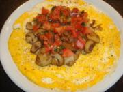 Omelett mit Pilzen und Tomaten-Basilkum-Topping - Rezept