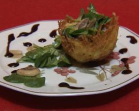 Kartoffelnester mit Champignons und Feldsalat (Ralf Dammasch) - Rezept