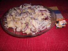 Tante Ernas Rote-Zwiebel-Salat>> - Rezept