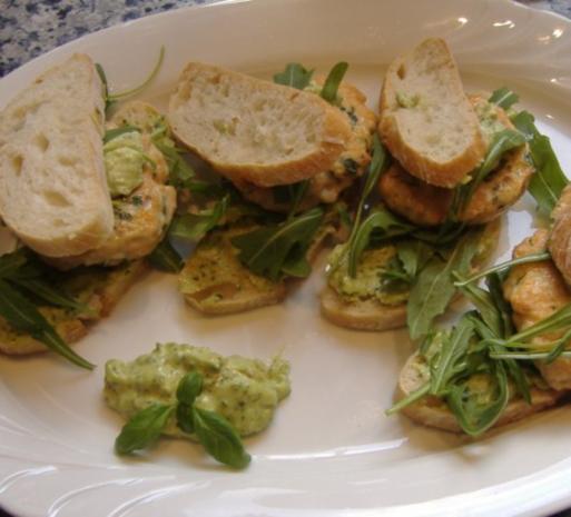 Kleine Lachs Burger - Rezept - Bild Nr. 2