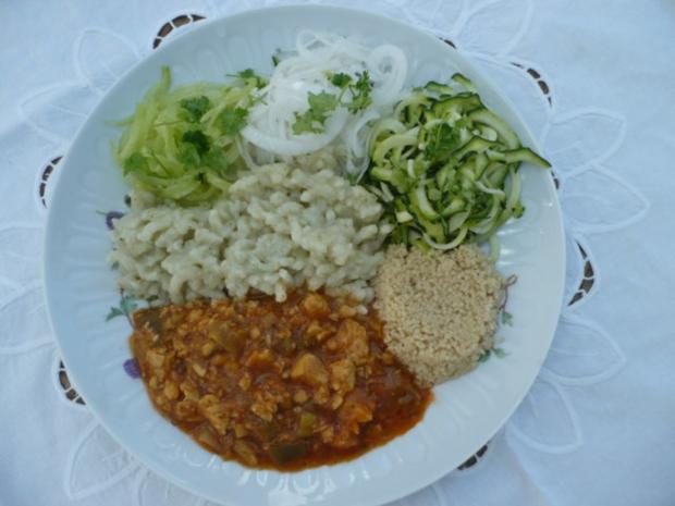 Rohkost mit Tempeh, Spätzle und Cuscus - Rezept