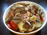 Bunter Salat mit getoastetem Brot - Rezept