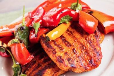 Grillsteak von der Pute mit gegrillter Paprika und Chilis (D10WP) - Rezept