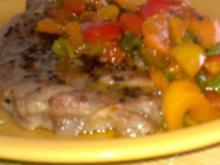 Sesam-Kotlett mit scharfen Paprika-Gemüse - Rezept
