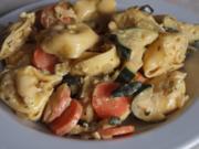 Salat:  Foxys Tortelinisalat - Rezept