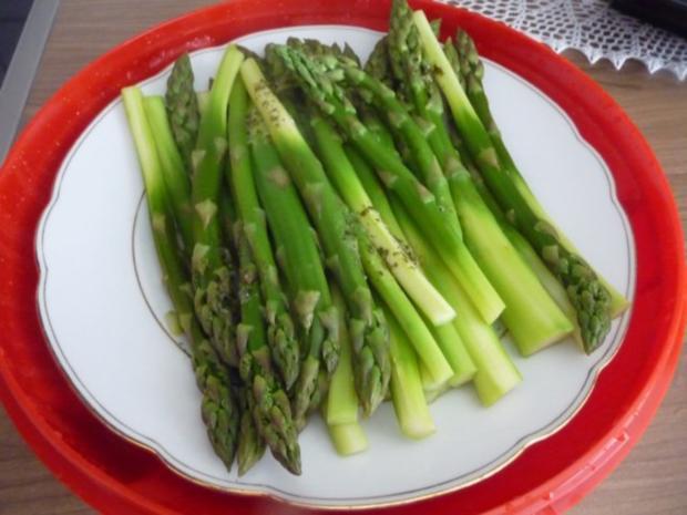 Salat : Grüner Spargel mit Joghurt - Senf - Soße - Rezept - Bild Nr. 2