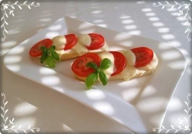Tomate-Mozzarella Baguettes überbacken - Rezept - Bild Nr. 2