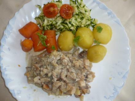 Kräuterseitling mit Kartoffeln, Möhren und Zucchini - Rezept