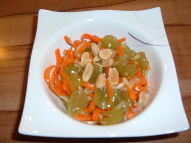 Salate : Möhren - Kohlrabi - Trauben - Rezept - Bild Nr. 2