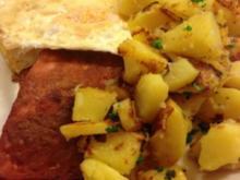 Fleischkäse mit Bratkartoffeln und Spiegelei - Rezept