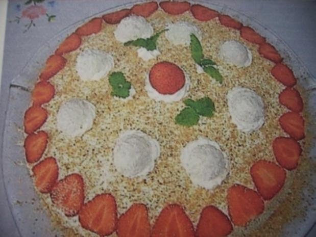 Erdbeer-Raffaello-Torte - Rezept