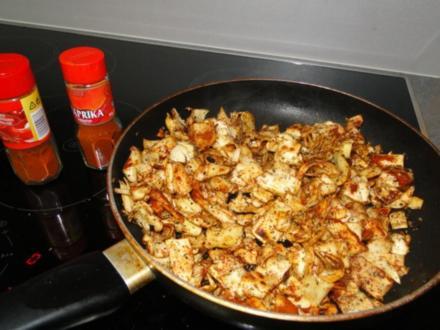 Resteessen Bandnudeln gebraten mit Speck und Zwiebeln mit Mozzarella - Rezept