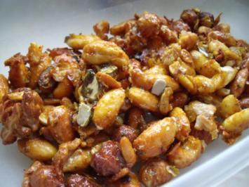 Pikanter Snack: Geröstete Nüsse mit Honig - Rezept