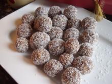 Pralinen: Aprikosen-Marzipan-Fruchtkugeln - Rezept