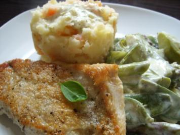 Putenschnitzel mit Kartoffel-Karotten-Stampf und Spargelgemüse - Rezept
