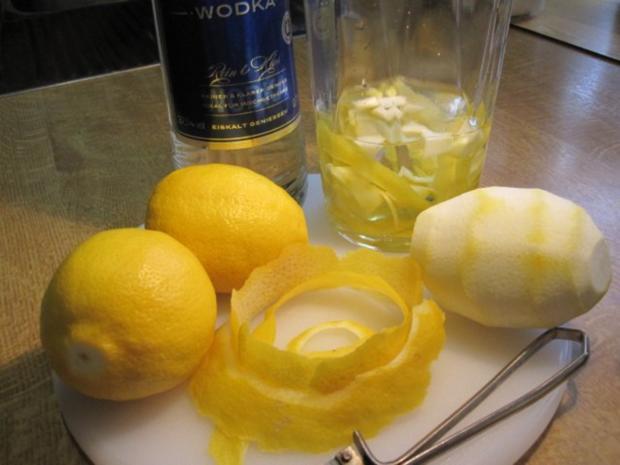 """Zitronenlikör """"Limoncello"""" - von selbst geernteten Zitronen - Rezept - Bild Nr. 3"""